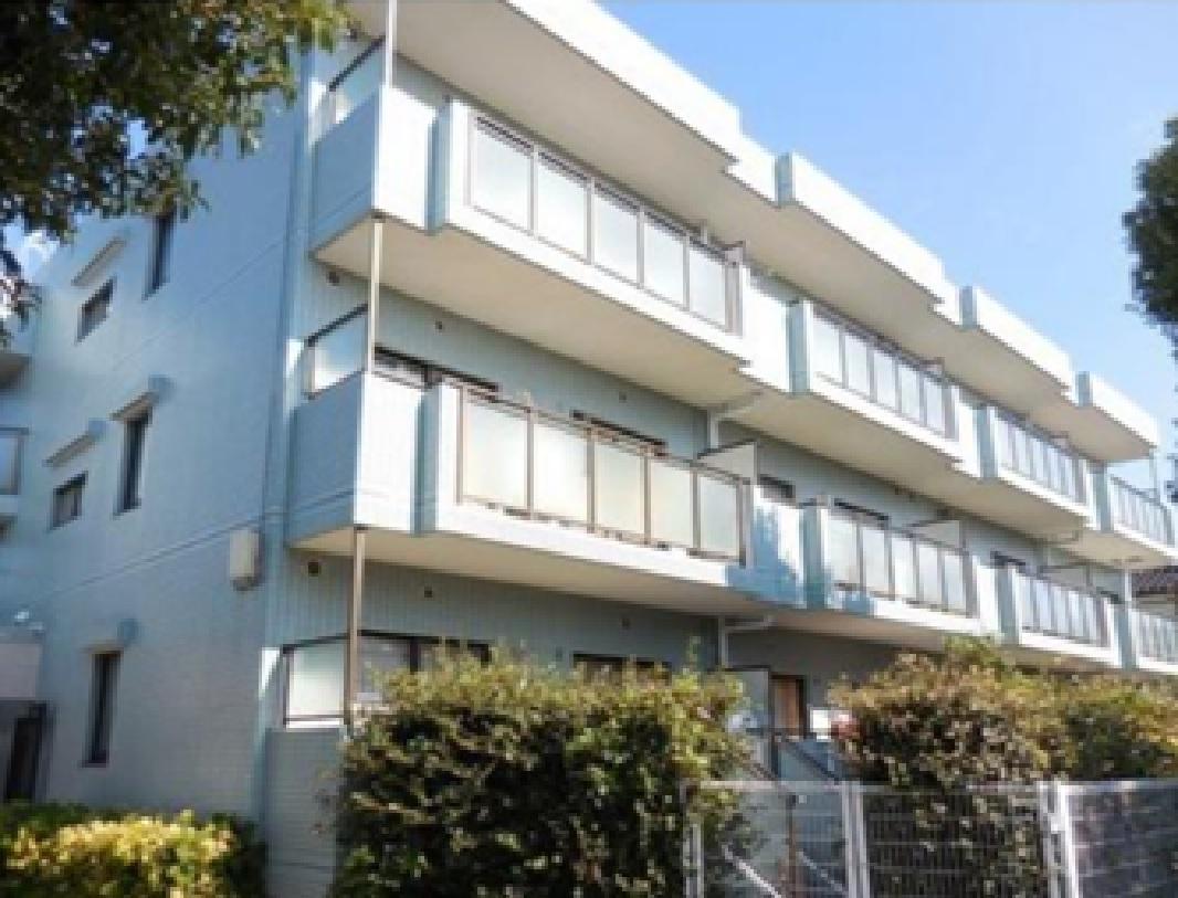 リリファ仙川<br /> 3階建低層マンション2階部分<br /> 南面バルコニー陽当り良好